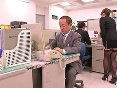 Horny Asian Boss Lady Can't Hold It Anymore In Her Office